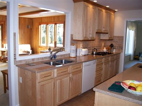 Maple Cabinets With Quartz Countertops For The Home