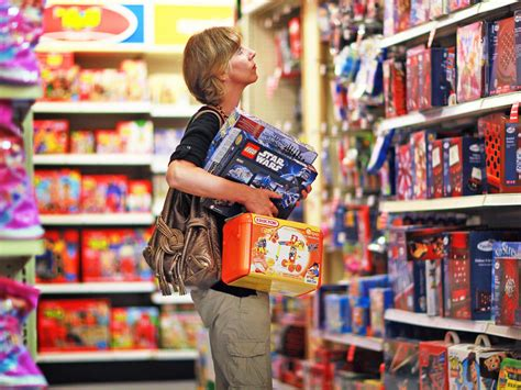 cuisine toys r us toys r us to stop marketing its toys by gender in of