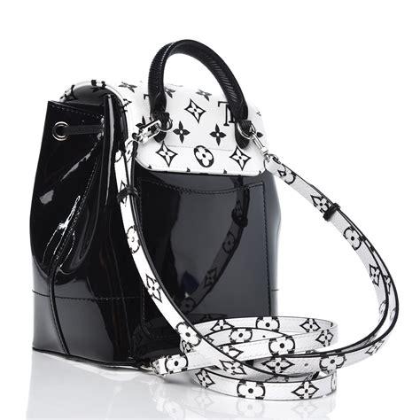 louis vuitton patent monogram hot springs backpack black white
