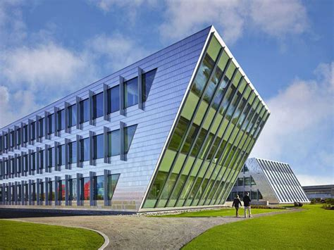 11 Of The Most Beautiful Office Buildings On Earth