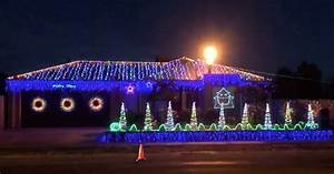Epic Christmas Lights Synchronized To ACDC Thunderstruck