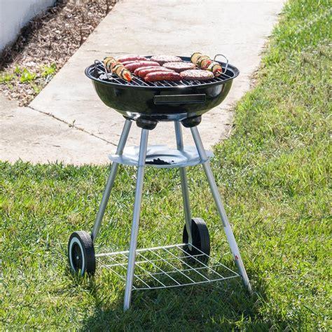 barbecue a charbon avec couvercle barbecue 224 charbon avec couvercle et roulettes bbq classics barbecue et accessoires sur