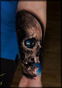 Realistic Skull With Blue Background | Best tattoo ideas ...