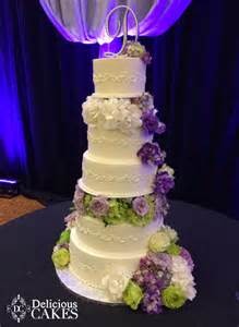 Delicious Bakery Wedding Cake