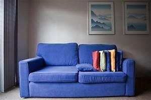 Couch Flecken Entfernen : sofareinigung flecken auf dem sofa tipps zur pflege bauherren immobilien magazin ~ Markanthonyermac.com Haus und Dekorationen