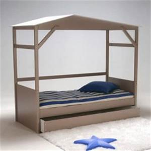 Lit Cabane Bebe : mot cl lit avec rideaux d corer ~ Teatrodelosmanantiales.com Idées de Décoration