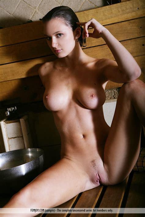 Euro Babes Db Hot Woman Naked In Sauna