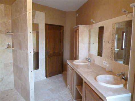 salle de bain romaine salle de bains en pierres naturelles azur agencement
