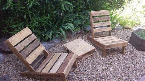 siege de jardin comment fabriquer un siège de jardin en bois de palettes