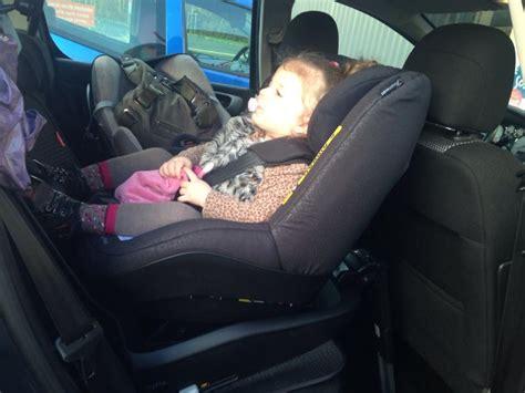 position siege auto siège auto i size 2way pearl bebe confort avis
