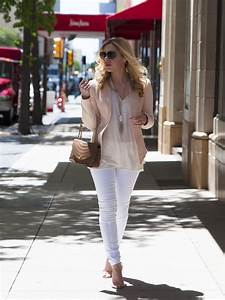 how to dress up white jeans - Allyson in Wonderland
