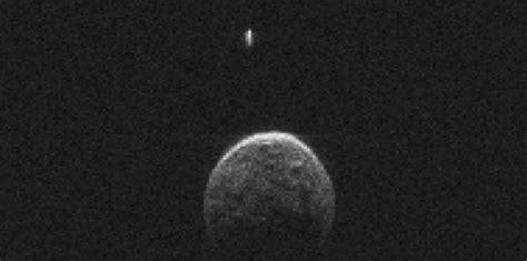 l ast 233 ro 239 de qui a fr 244 l 233 la terre avait une lune 27