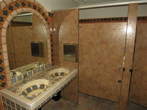 Ironwood Manufacturing Laminate Toilet Partitions And