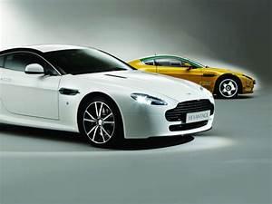 Nouvelle Aston Martin : nouvelle aston martin v8 vantage n420 look sportif ~ Maxctalentgroup.com Avis de Voitures