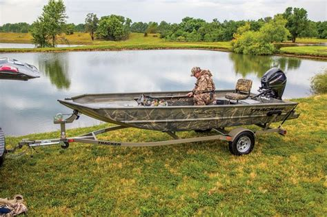 Bass Pro Flat Bottom Boats by Tracker Boats All Welded Jon Boats 2014 Grizzly 1654