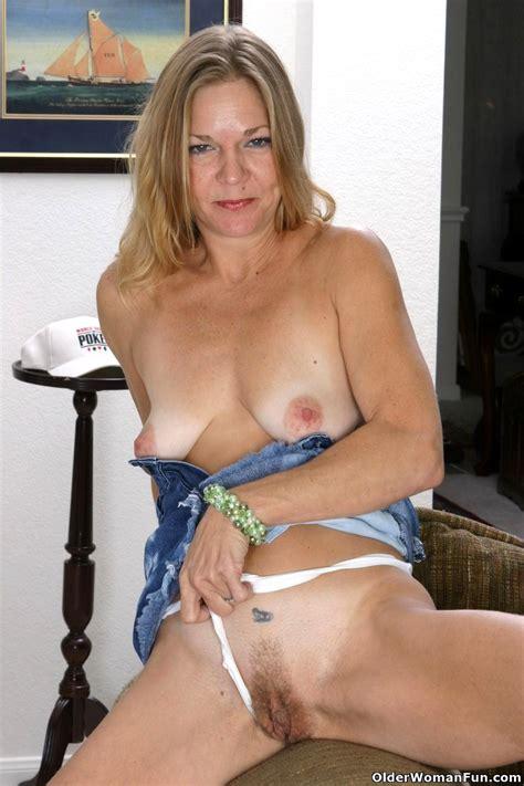 Olderwomanfun Olderwomanfun Model Stepmom Real Tits Xxx