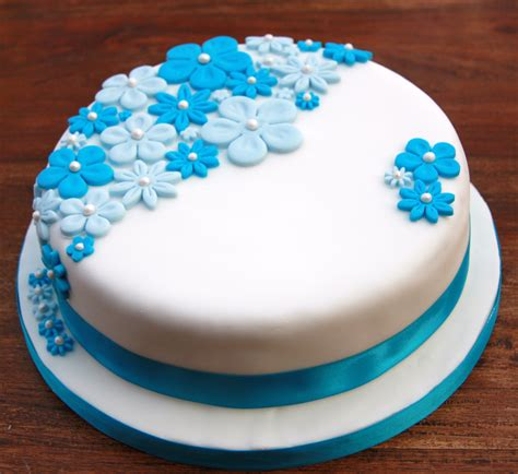 Birthday Cake With Blue Flowers Lovinghomemade