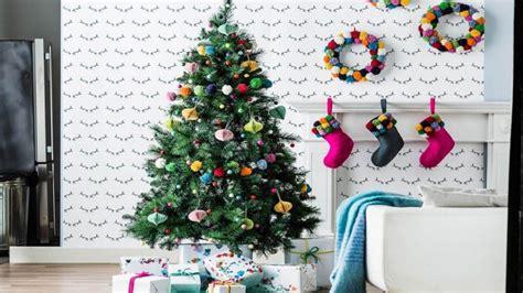 Weihnachtsbaum Im Topf Tipps Fuer Kauf Sorten Und Pflege by Weihnachtsbaum Aufstellen 187 Tipps Zum Tannenbaum Otto