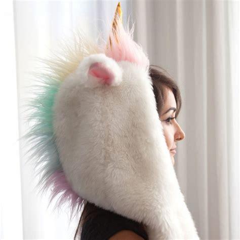 femme de chambre bonnet licorne 2 en 1 capuche et gants commentseruiner