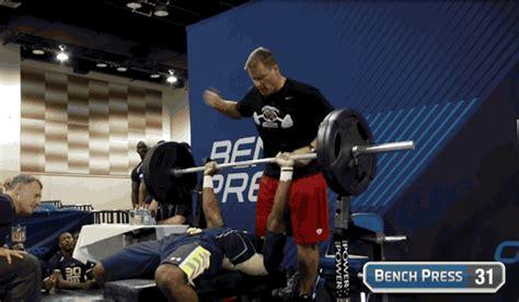 nfl combine bench press jerick mckinnon puts up amazing numbers at nfl combine