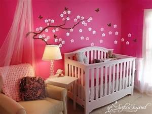 modele deco chambre bebe fille visuel 2 With deco chambre de bebe fille