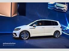 2016 Volkswagen Touran Enters Production in Wolfsburg