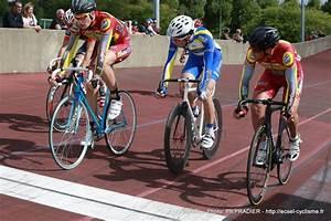 Carrosserie Vaulx En Velin : prix roger rivi re sur piste meons espoir cycliste saint etienne loire ~ Gottalentnigeria.com Avis de Voitures