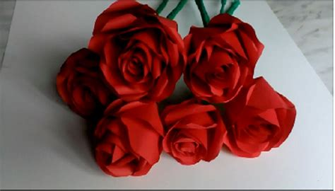 How to make paper roses . Valentines Day, Mother's Day , B ...