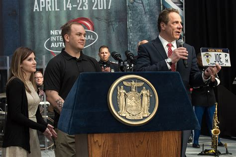 Top Rebates On Cars by Cuomo Stops By New York International Auto Show To Drive