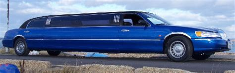 Lincoln Hire Car lincoln town car limo hire