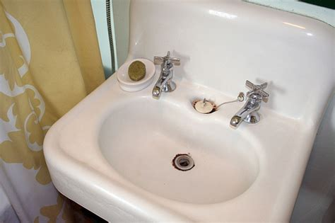 Vintage Sink-making It Lovely