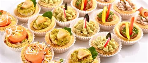 hiring  professional finger food catering service