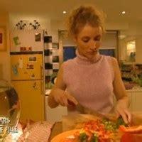 un gars une fille cuisine un gars une fille messes basses en cuisine