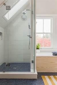 43 Useful Attic Bathroom Design Ideas