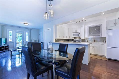 Roncesvalles avenue is a one minute walk from the 304 king and the 504 king at the roncesvalles ave at fermanagh ave stop. 279 Roncesvalles Avenue Toronto / 279 St Clair Ave E #First F, Toronto - 2 Bed, 1 Bath house ...