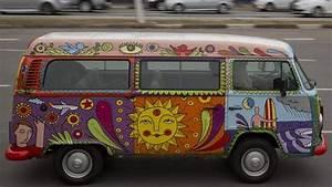 Combi Vw Hippie : kombi customizada hippie carros pinterest volkswagen volkswagen bus and vw bus ~ Medecine-chirurgie-esthetiques.com Avis de Voitures