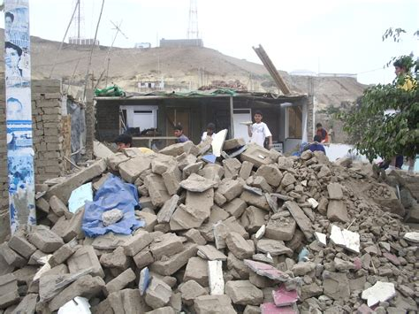cold weather  earthquake hit southern parts  peru