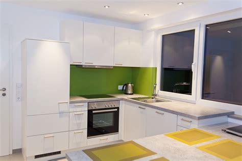 günstige moderne küchen k 252 che einliegerwohnung schlicht wei 223 und einfach