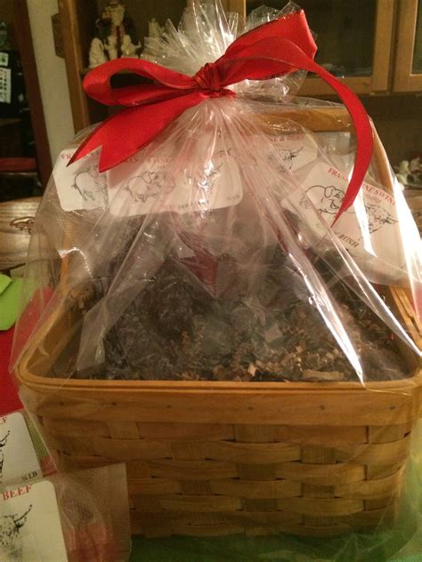 christmas gift basket with 1 pound of jerky franks fine
