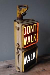 Objet Deco Cinema : american vintage fire walk of new york floor lamp id lights ~ Teatrodelosmanantiales.com Idées de Décoration