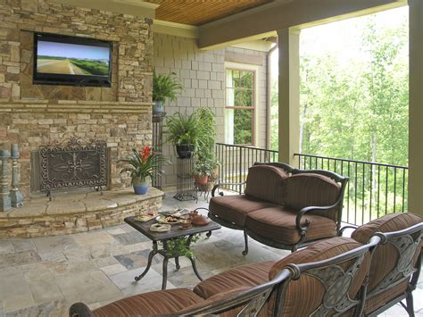 the trends for deck and patio remodeling