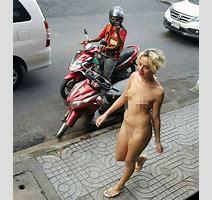 Naked Farrang Chick Riding Around Soi Nana Video
