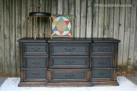 10 Top Black Furniture Makeovers