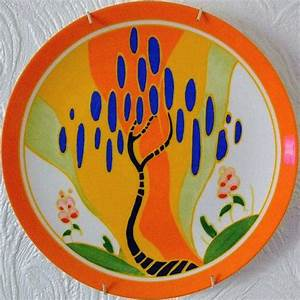 Love this plate, saw other Clarice Cliff pieces on Antique ...