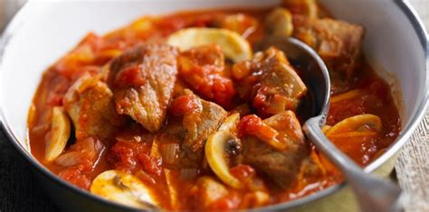 aide en cuisine sauté de veau marengo facile recette sur cuisine actuelle