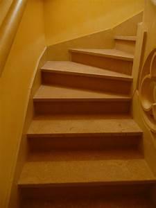 Habillage Escalier Interieur : marches d 39 escalier int rieur en pierre c nia flamm e ~ Premium-room.com Idées de Décoration