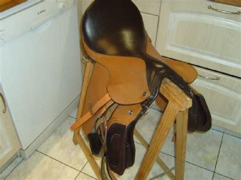 selle d equitation avec equipement grand cheval selle