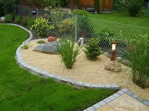 Rasen Richtig Anlegen : gartenbeet anlegen gartenbeet steine anlegen kunstrasen ~ Lizthompson.info Haus und Dekorationen