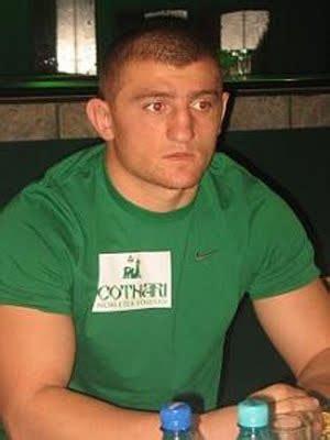 Andrei Stoica, invins la decizie de colegul lui Badr Hari! KO-uri spectaculoase in gala Asediu la Targoviste - www.sport.ro - Vineri 13 Iulie 2018