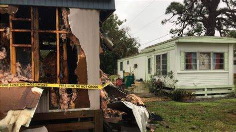fire engulfs mobile home minutes leaving family homeless